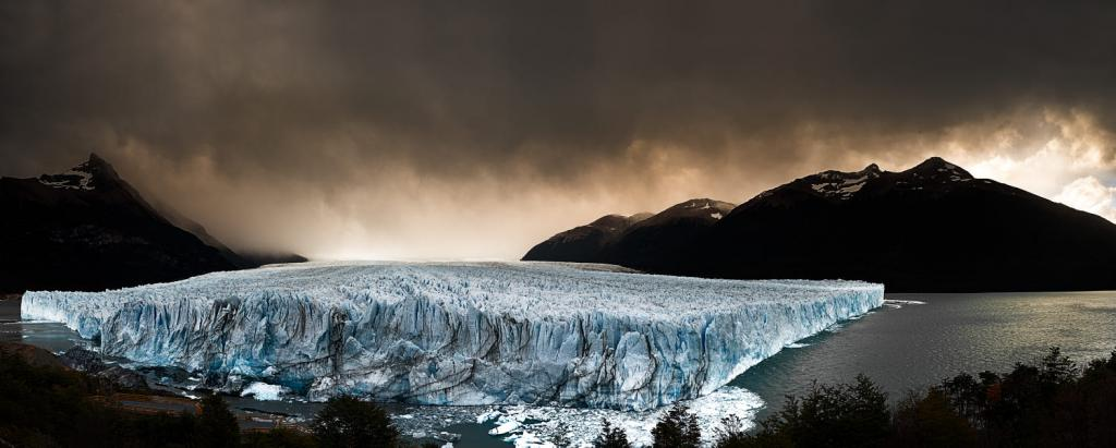 Argentina Photography Places dramatic view of Glacier Perito Moreno - Santa Cruz, Argentina