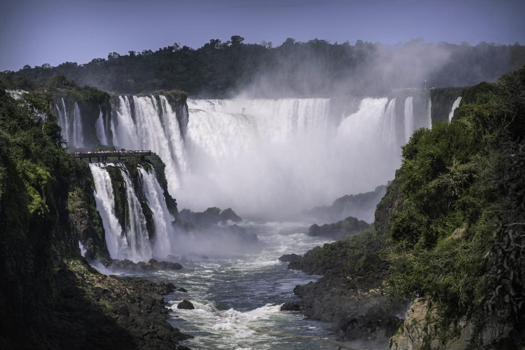 Iguazu_Falls_Argentina_photographic_places